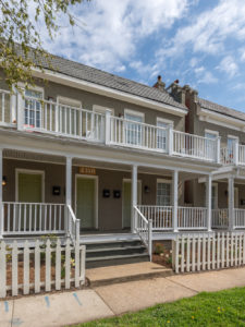 12-Unit Multifamily in City Sells for $1,580,000